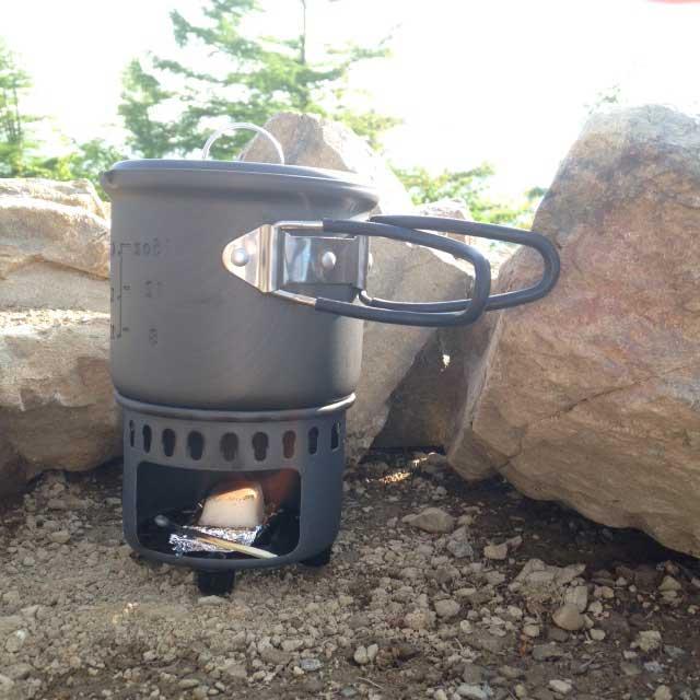 雲取山の登山写真「ご飯作り」