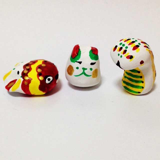 紙粘土、土人形を作る「金魚、犬?へび」