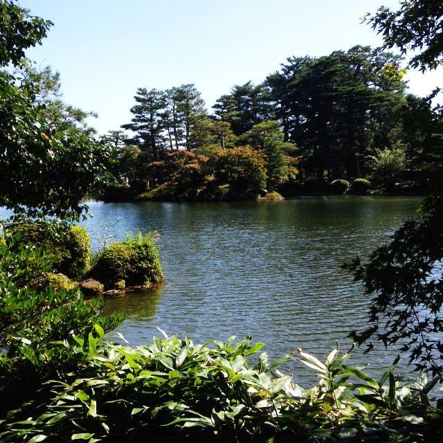 金沢・兼六園に行く「蓬莱島」