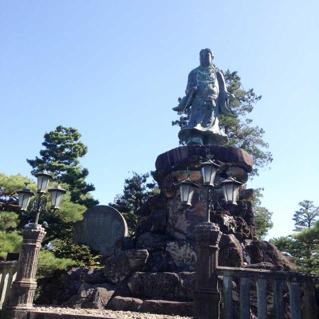 金沢・兼六園に行く「明治記念之標」
