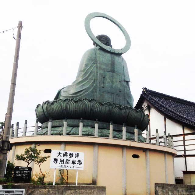 高岡市・藤子F不二雄ふるさとギャラリー「高岡大仏後ろ姿」