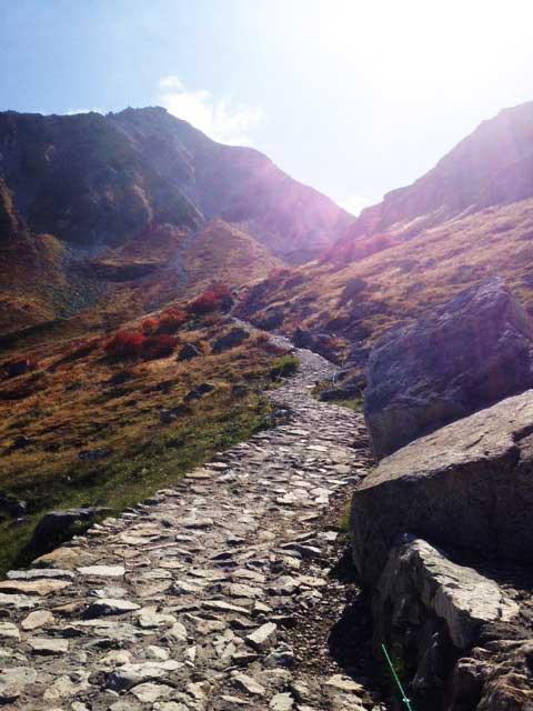 黒部・立山を歩く「石畳」