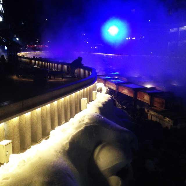 草津温泉「湯畑ライトアップ」