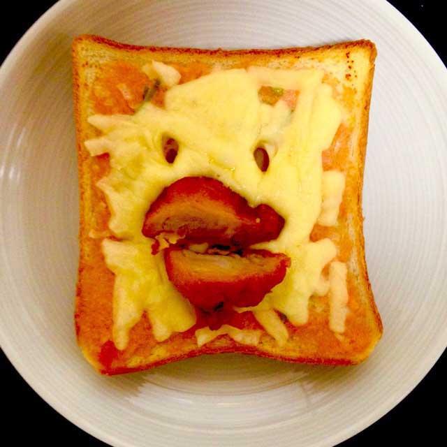 かおごはん「唐揚げトースト」