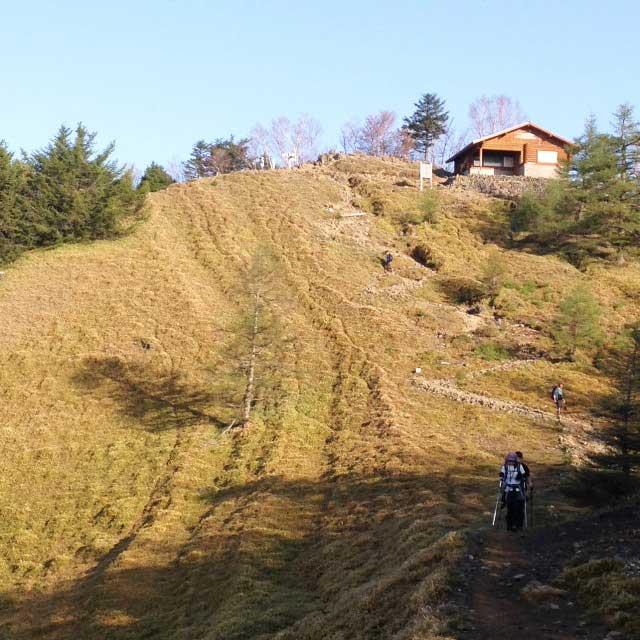 2017mの雲取山へ登る2「避難小屋」