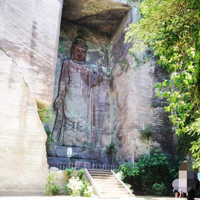 鋸山と日本寺「百尺観音」
