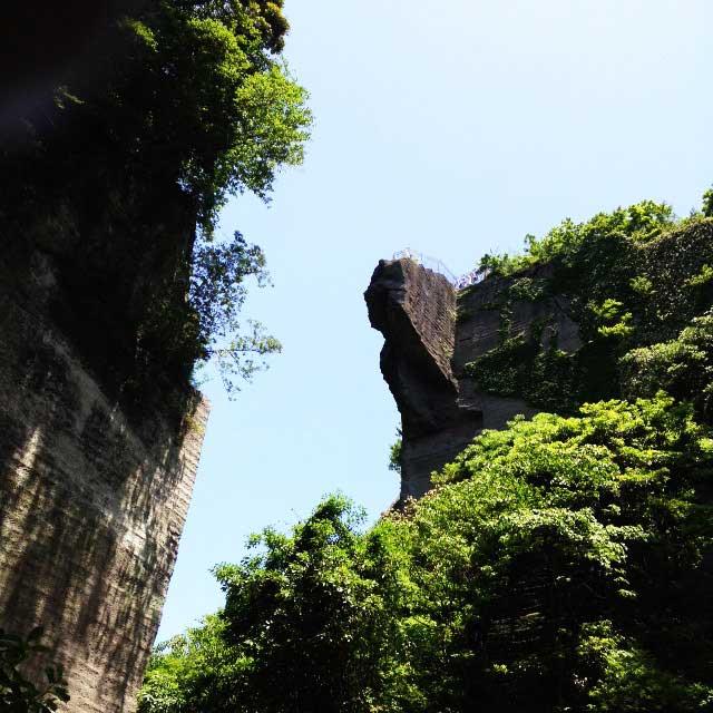 鋸山と日本寺「地獄のぞき」