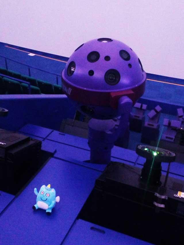 多摩六都科学館へ資料探し「プラネタリウム館内」
