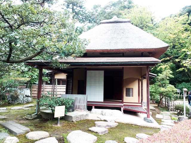 金沢・兼六園、ひがし茶屋街へ行く「兼六園散策、茶室」