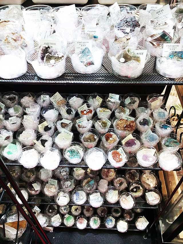 国際宝飾展2018へ行く「天然石、鉱物」