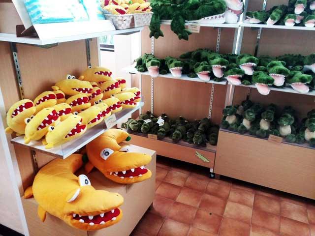 熱川バナナワニ園へ行く「お土産コーナー」