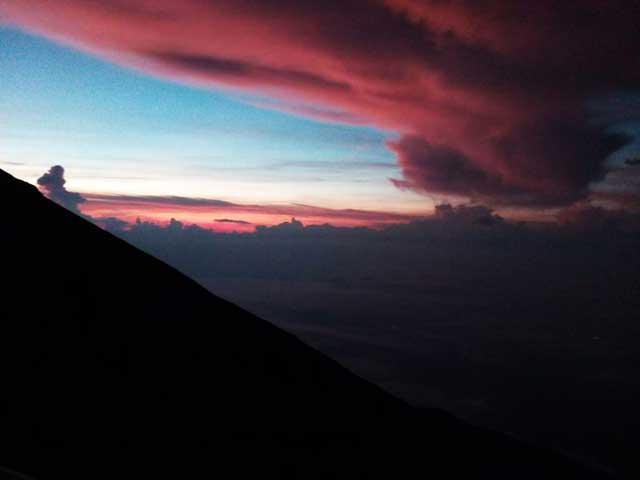 富士山に登る1「夕暮れ」