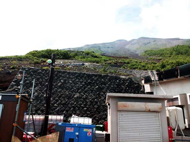富士山に登る1「富士山安全指導センター」