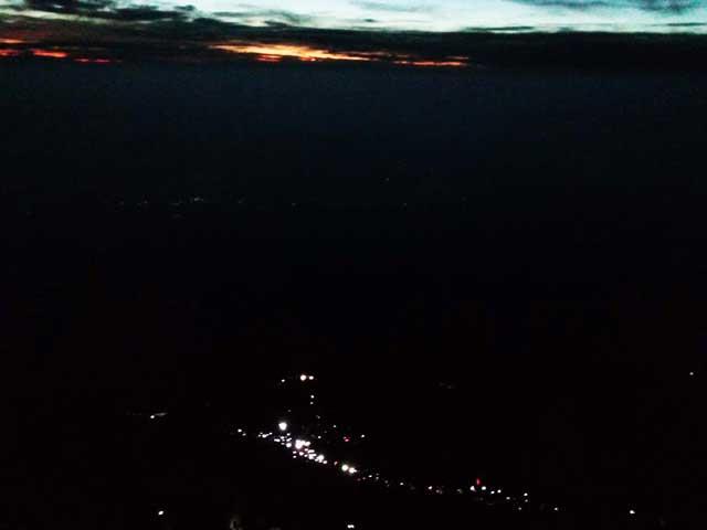 富士山に登る2「ヘッドライト」