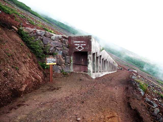 富士山に登る3「シェルター」