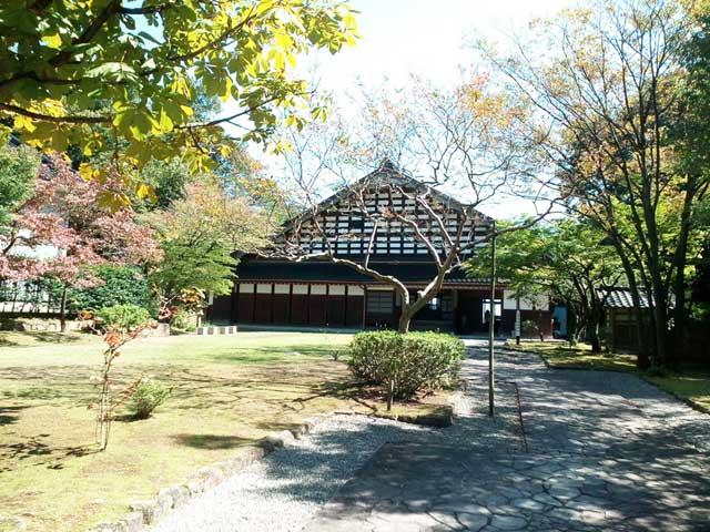 富山を散策する「民族民芸村」
