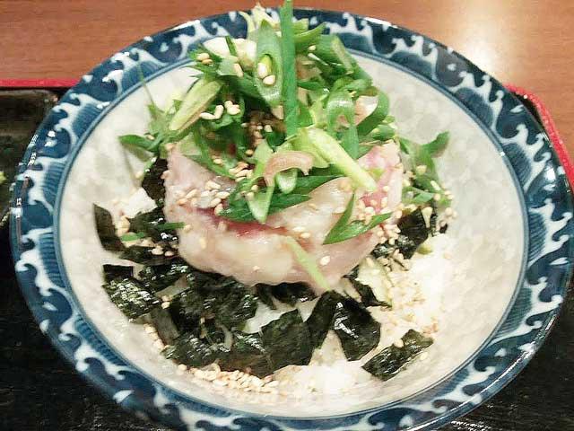 金沢を散策する「海鮮丼」