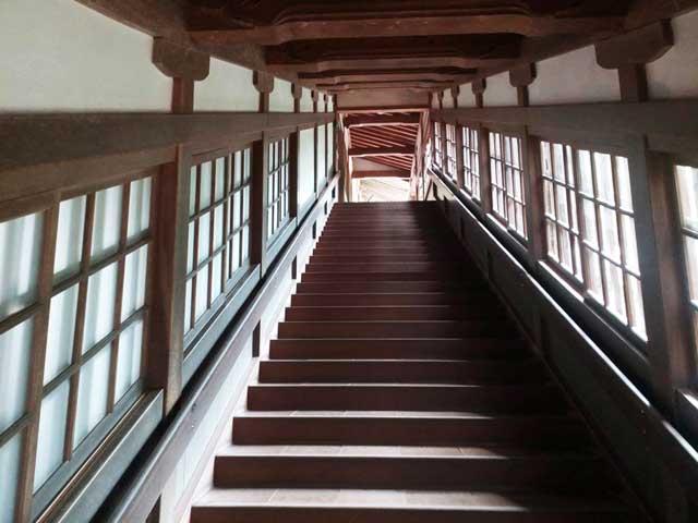 永平寺へ行く「階段」