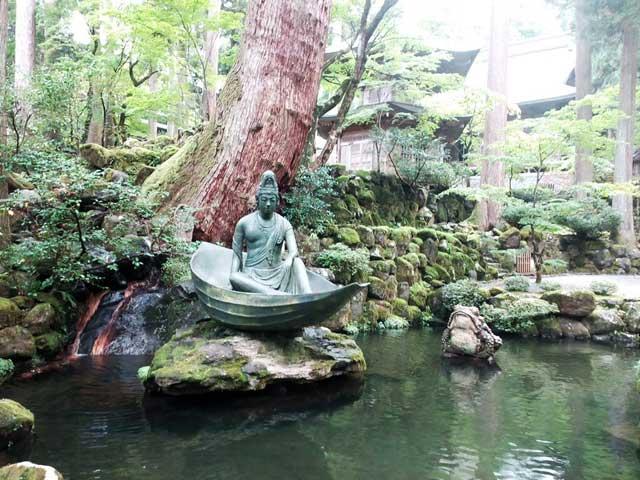 永平寺へ行く「一葉観音」