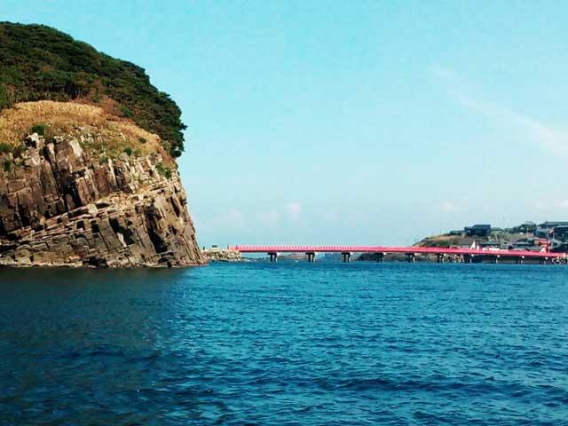 東尋坊へ行く「雄島の赤い橋」
